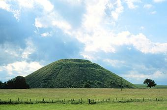 Silbury Hill of England.